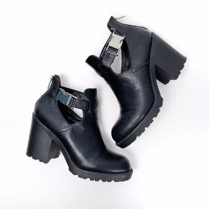 Call it Spring Chunky Heel Black Ankle Boots 7